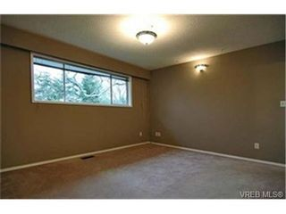 Photo 7:  in VICTORIA: SE Lambrick Park House for sale (Saanich East)  : MLS®# 424788