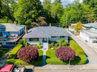 Photo 2: 4463 CEDARWOOD Court in Burnaby: Garden Village House for sale (Burnaby South)  : MLS®# R2583714