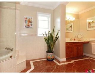 Photo 8: 15287 VICTORIA AV in White Rock: House for sale : MLS®# F2818793