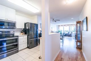 """Photo 8: 701 612 SIXTH Street in New Westminster: Uptown NW Condo for sale in """"THE WOODWARD"""" : MLS®# R2390390"""