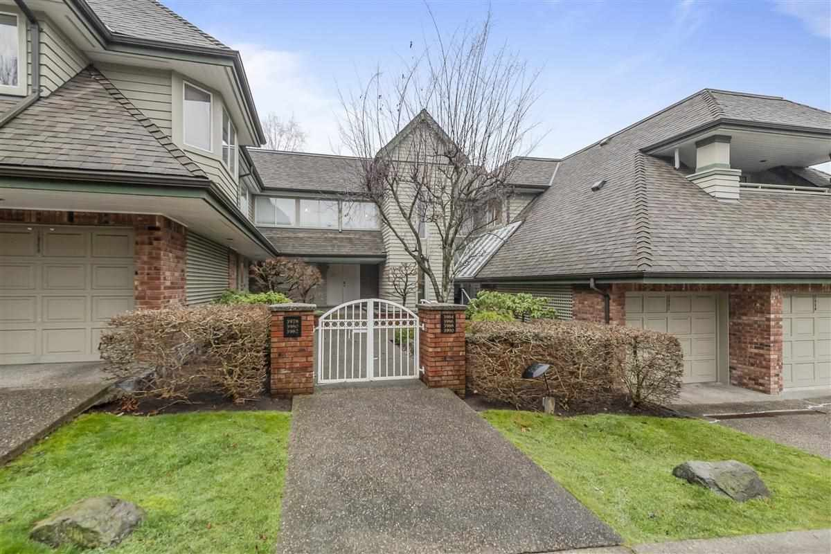 Main Photo: 3978 CREEKSIDE Place in Burnaby: Burnaby Hospital Townhouse for sale (Burnaby South)  : MLS®# R2422562