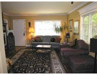 Photo 2: 12 HOLDOM Avenue in Burnaby: Capitol Hill BN House for sale (Burnaby North)  : MLS®# V712849