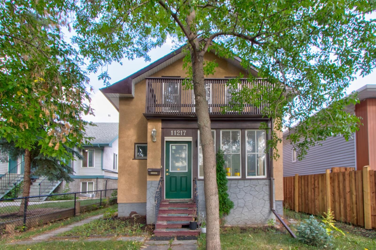Main Photo: 11217 87 Street NW in Edmonton: Zone 05 House for sale : MLS®# E4260181