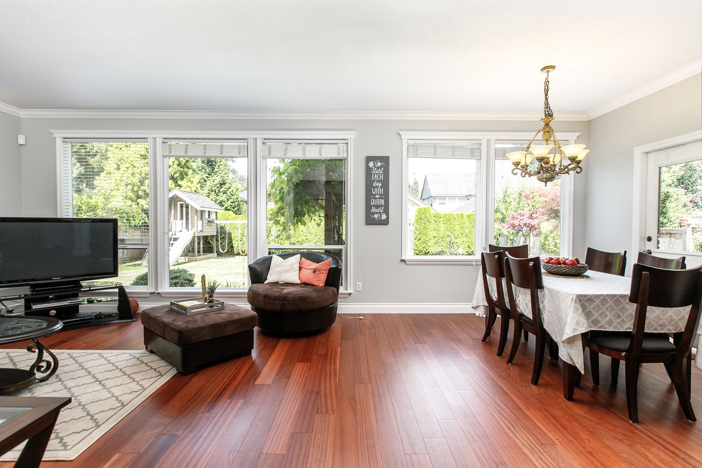 Photo 4: Photos: 14135 23A STREET in SOUTH SURREY WHITE ROCK: Sunnyside Park Surrey House for sale (South Surrey White Rock)  : MLS®# R2349560