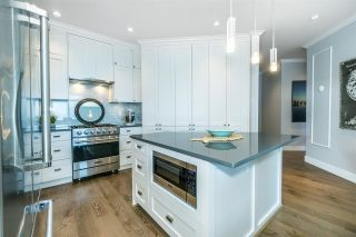 """Photo 9: 512 14855 THRIFT Avenue: White Rock Condo for sale in """"THE ROYCE"""" (South Surrey White Rock)  : MLS®# R2289976"""