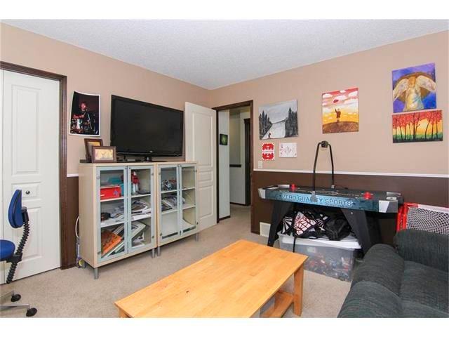 Photo 25: Photos: 202 ELGIN Rise SE in Calgary: McKenzie Towne House for sale : MLS®# C4049273
