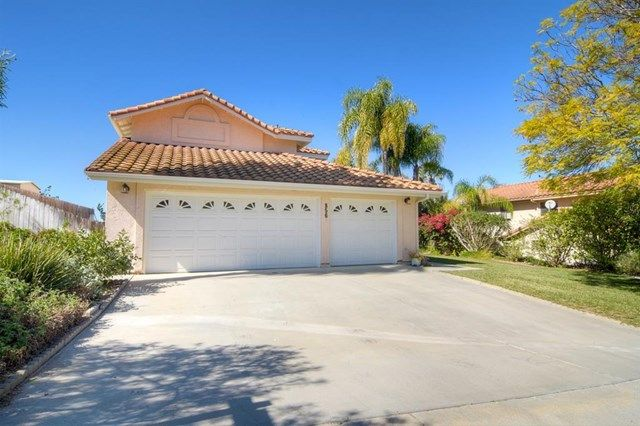 Main Photo: 856 Porter Way in Fallbrook: Residential for sale (92028 - Fallbrook)  : MLS®# 180009143