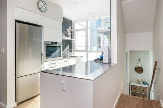 """Photo 4: 750 W 6TH Avenue in Vancouver: Fairview VW Townhouse for sale in """"SIXTH + STEEL"""" (Vancouver West)  : MLS®# R2313387"""