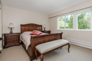 """Photo 15: 15327 28 Avenue in Surrey: King George Corridor House for sale in """"Sunnyside"""" (South Surrey White Rock)  : MLS®# R2349159"""