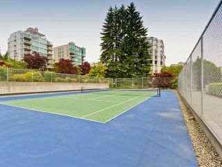 "Photo 25: 301 1420 DUCHESS Avenue in West Vancouver: Ambleside Condo for sale in """"The Westerlies"" in Ambleside"" : MLS®# R2543928"