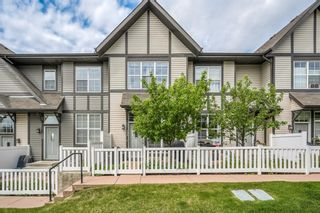 Main Photo: 134 NEW BRIGHTON Villas SE in Calgary: New Brighton Row/Townhouse for sale : MLS®# A1118735