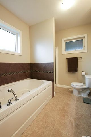 Photo 24: 847 Highland Drive in Swift Current: Highland Residential for sale : MLS®# SK777704