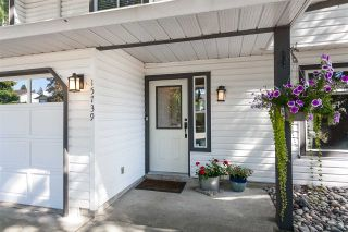 """Photo 2: 15739 96A Avenue in Surrey: Guildford House for sale in """"Johnston Heights"""" (North Surrey)  : MLS®# R2483112"""