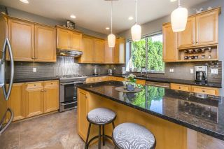 """Photo 6: 5770 169 Street in Surrey: Cloverdale BC House for sale in """"Richardson Ridge"""" (Cloverdale)  : MLS®# R2113478"""