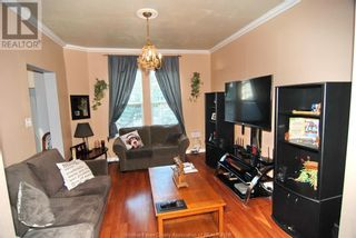 Photo 9: 812 DOUGALL in Windsor: House for sale : MLS®# 21017665