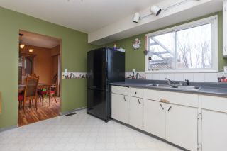 Photo 8: 2074 Piercy Ave in SIDNEY: Si Sidney North-East House for sale (Sidney)  : MLS®# 778350