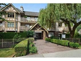 """Photo 1: 305 2059 CHESTERFIELD Avenue in North Vancouver: Central Lonsdale Condo for sale in """"Ridge Park Gardens"""" : MLS®# R2076496"""