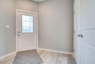 Photo 5: 235 39 Avenue NW in Edmonton: Zone 30 House Half Duplex for sale : MLS®# E4261907