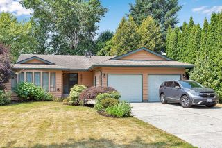 """Photo 1: 6235 171 Street in Surrey: Cloverdale BC House for sale in """"WEST CLOVERDALE"""" (Cloverdale)  : MLS®# R2598284"""
