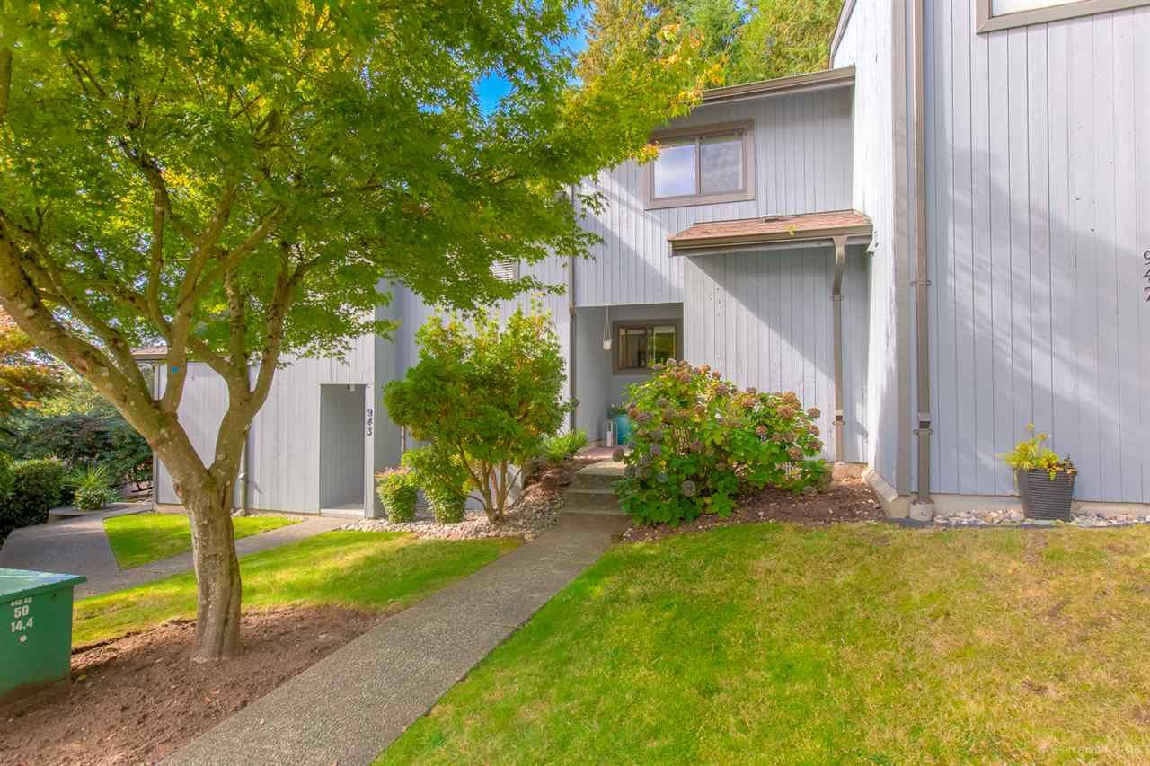 "Main Photo: 945 BLACKSTOCK Road in Port Moody: North Shore Pt Moody Townhouse for sale in ""WOODSIDE VILLAGE"" : MLS®# R2410386"