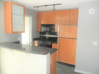 """Photo 2: 608 1068 HORNBY Street in Vancouver: Downtown VW Condo for sale in """"The Canadian"""" (Vancouver West)  : MLS®# R2565664"""