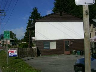 Photo 3: 220 MOUNTAIN Highway in North Vancouver: Lynnmour House for sale : MLS®# V613366