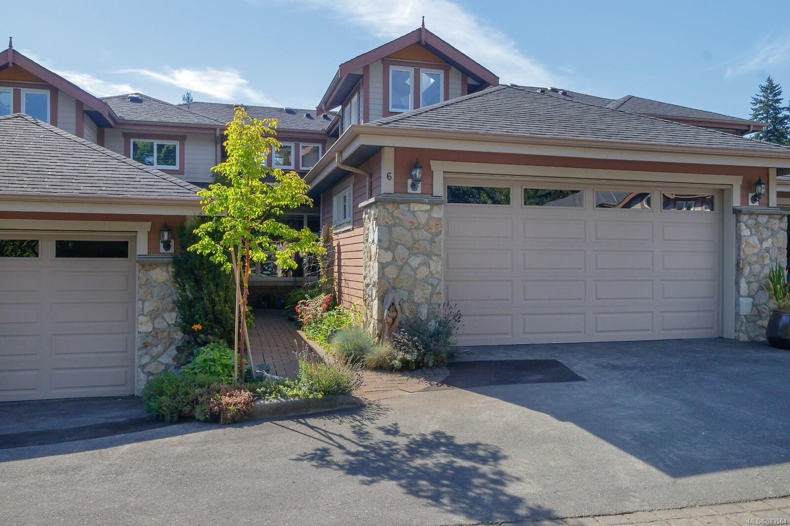 Main Photo: 6 974 Sutcliffe Rd in : SE Cordova Bay Row/Townhouse for sale (Saanich East)  : MLS®# 883584