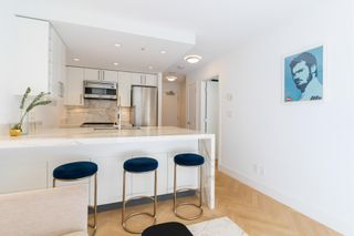 """Photo 12: 501 1708 COLUMBIA Street in Vancouver: False Creek Condo for sale in """"WALL CENTRE FALSE CREEK"""" (Vancouver West)  : MLS®# R2603692"""