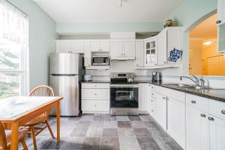 """Photo 13: 215 3098 GUILDFORD Way in Coquitlam: North Coquitlam Condo for sale in """"Marlborough House"""" : MLS®# R2555824"""