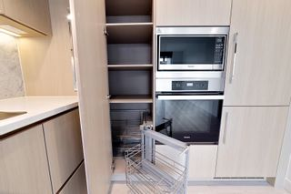 """Photo 10: 1214 1768 COOK Street in Vancouver: False Creek Condo for sale in """"Venue One"""" (Vancouver West)  : MLS®# R2625843"""