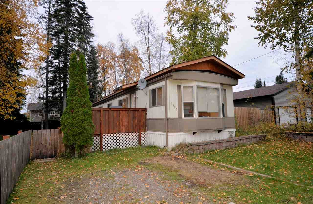 """Main Photo: 6945 LANGER Crescent in Prince George: Emerald Manufactured Home for sale in """"Emerald"""" (PG City North (Zone 73))  : MLS®# R2506997"""