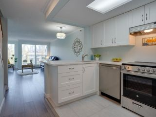 """Photo 7: 24 1345 W 4TH Avenue in Vancouver: False Creek Townhouse for sale in """"Granville Island Village"""" (Vancouver West)  : MLS®# R2564890"""