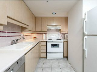 """Photo 9: 3002 183 KEEFER Place in Vancouver: Downtown VW Condo for sale in """"Paris Place"""" (Vancouver West)  : MLS®# V1079874"""