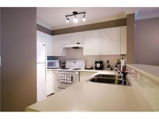 """Photo 5: 215 1363 56TH Street in Tsawwassen: Cliff Drive Condo for sale in """"Windsor Woods"""" : MLS®# V1114935"""