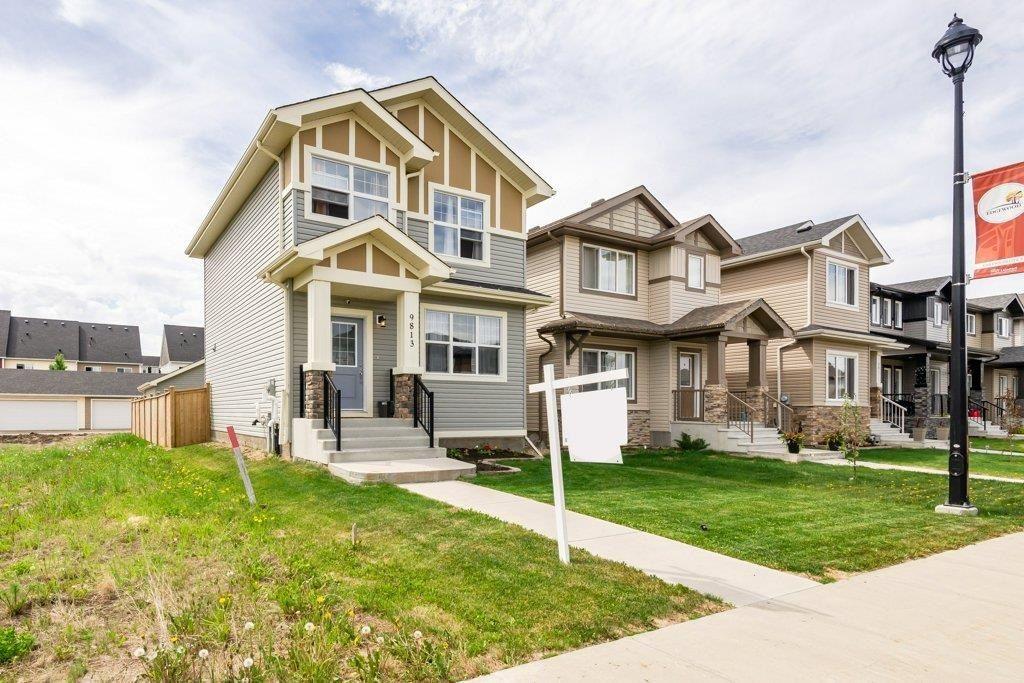 Main Photo: 9813 106 Avenue: Morinville House for sale : MLS®# E4246353
