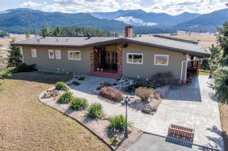 Photo 2: 2545 6 Highway, E in Lumby: House for sale : MLS®# 10228759