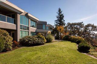 Photo 6: 916 Cobblestone Lane in VICTORIA: SE Broadmead House for sale (Saanich East)  : MLS®# 832198