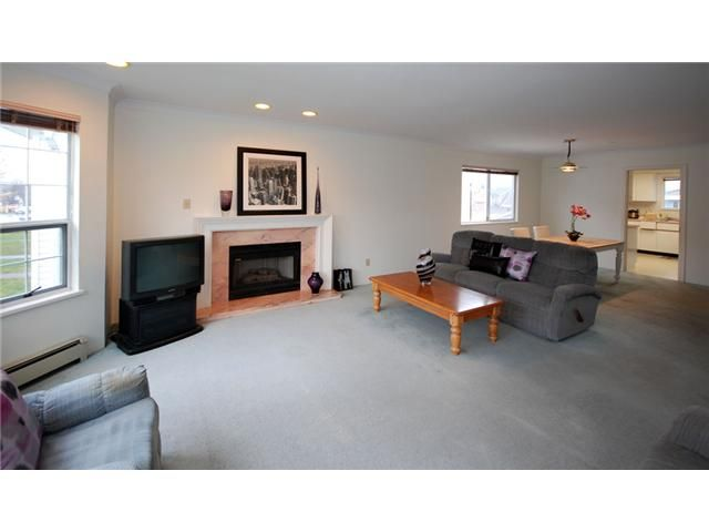 Photo 4: Photos: 2933 GRAVELEY Street in Vancouver: Renfrew VE House for sale (Vancouver East)  : MLS®# V993661