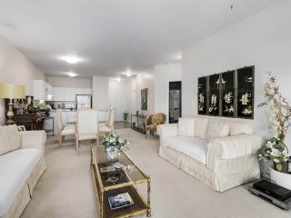 """Photo 3: 207 2109 ROWLAND Street in Port Coquitlam: Central Pt Coquitlam Condo for sale in """"PARKVIEW PLACE"""" : MLS®# R2542754"""