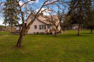 Photo 3: 7912 N Island Hwy in : CV Merville Black Creek House for sale (Comox Valley)  : MLS®# 870567