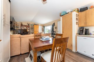 """Photo 10: 24 62790 FLOOD HOPE Road in Hope: Hope Center Manufactured Home for sale in """"SILVER RIDGE ESTATES"""" : MLS®# R2602914"""