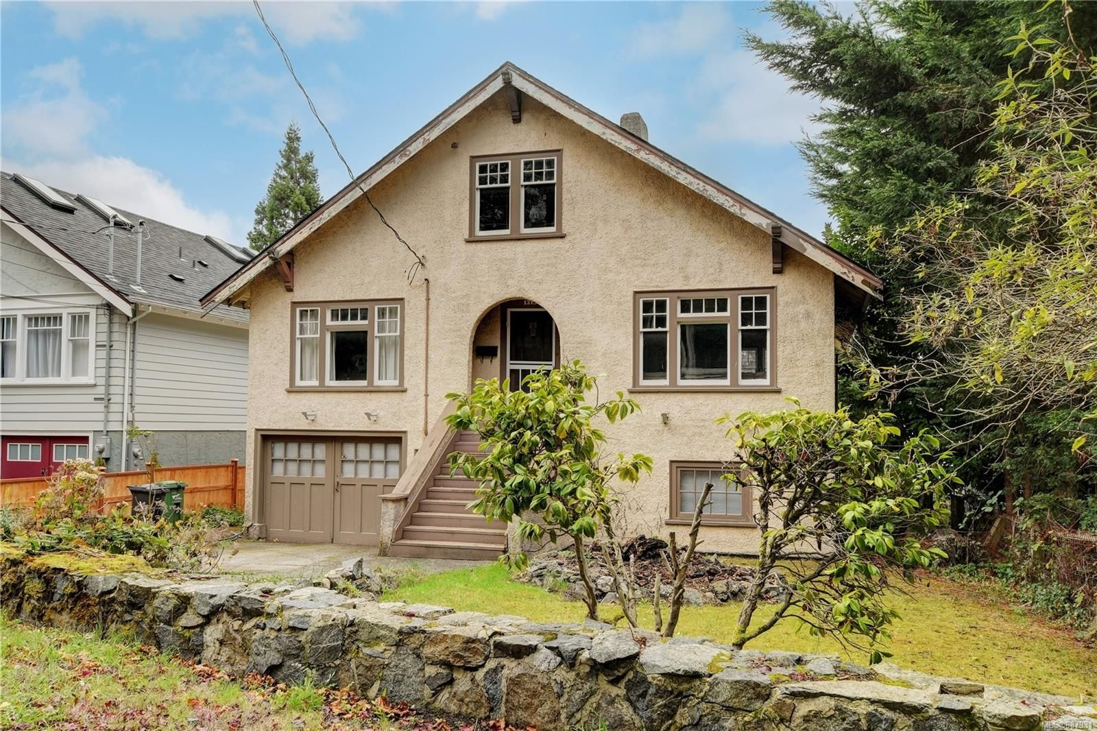 Main Photo: 1315 Coventry Ave in Victoria: VW Victoria West House for sale (Victoria West)  : MLS®# 887931