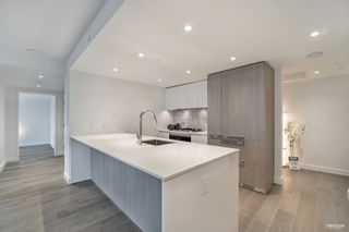 """Photo 6: 2110 1111 RICHARDS Street in Vancouver: Downtown VW Condo for sale in """"8X ON THE PARK"""" (Vancouver West)  : MLS®# R2625396"""