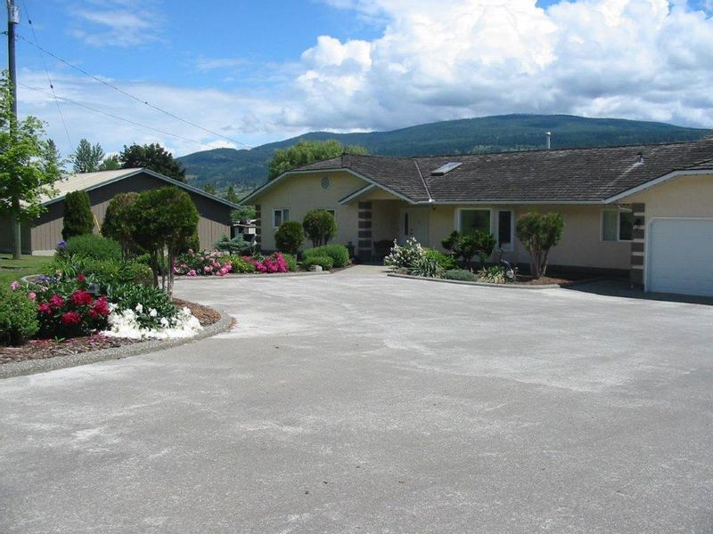 FEATURED LISTING: 7069 Old Kamloops Road Vernon