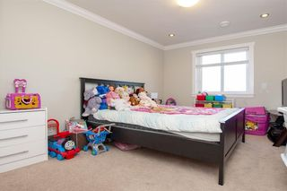 Photo 12: 7068 148 Street in Surrey: East Newton House for sale : MLS®# R2278141