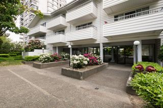 "Photo 27: 205 707 EIGHTH Street in New Westminster: Uptown NW Condo for sale in ""The Diplomat"" : MLS®# R2273026"