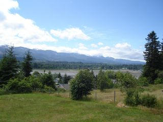 Photo 4: 7643 VICTOR LANE in FANNY BAY: Comox Valley Residential Detached for sale (Vancouver Island/Smaller Islands)  : MLS®# 237099