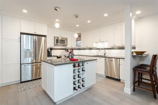 """Photo 10: 11 15563 MARINE Drive: White Rock Condo for sale in """"Oceanview Terrace"""" (South Surrey White Rock)  : MLS®# R2513794"""