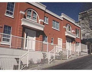 """Photo 1: 3 413 13TH ST in New Westminster: Uptown NW Townhouse for sale in """"LMS 1568"""" : MLS®# V583140"""