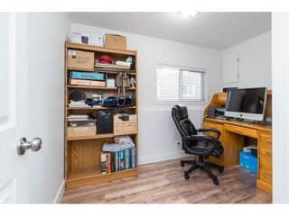 """Photo 23: 14 24330 FRASER Highway in Langley: Otter District Manufactured Home for sale in """"Langley Grove Estates"""" : MLS®# R2518685"""